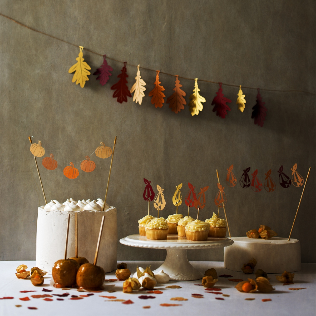 Autumn leaf garland, cake toppers and cake decorations